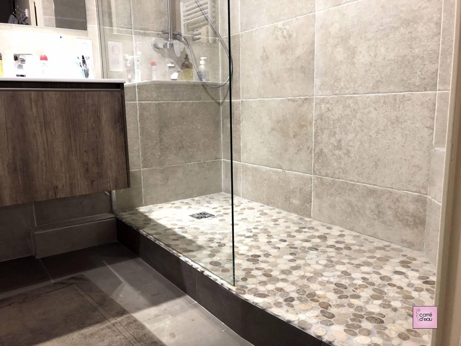 Salle de bain de 15m15 complète et confortable à Montpellier - Carré