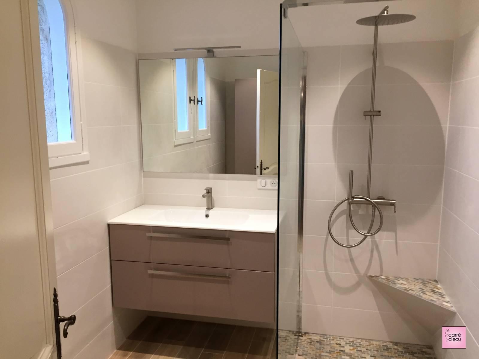 remplacement d 39 une baignoire prades le lez carr d 39 eau. Black Bedroom Furniture Sets. Home Design Ideas