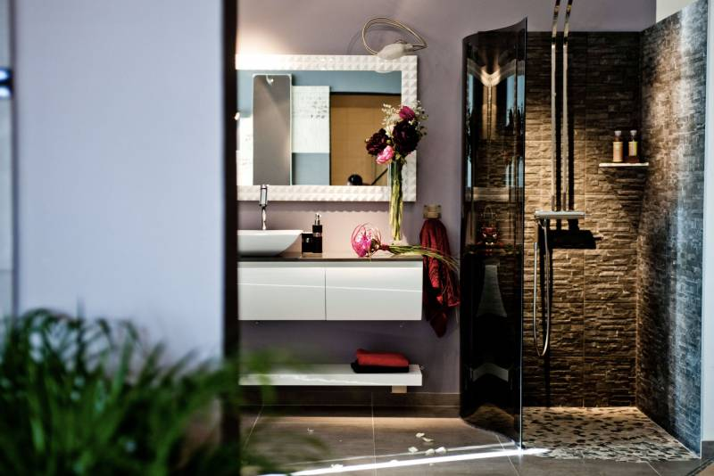 cr ation et r novation de salle de bain montpellier. Black Bedroom Furniture Sets. Home Design Ideas